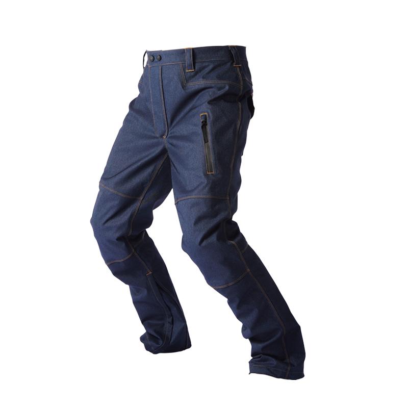 パンツだって透湿防水防寒!雨・雪のしみこみを徹底的に防ぐ!